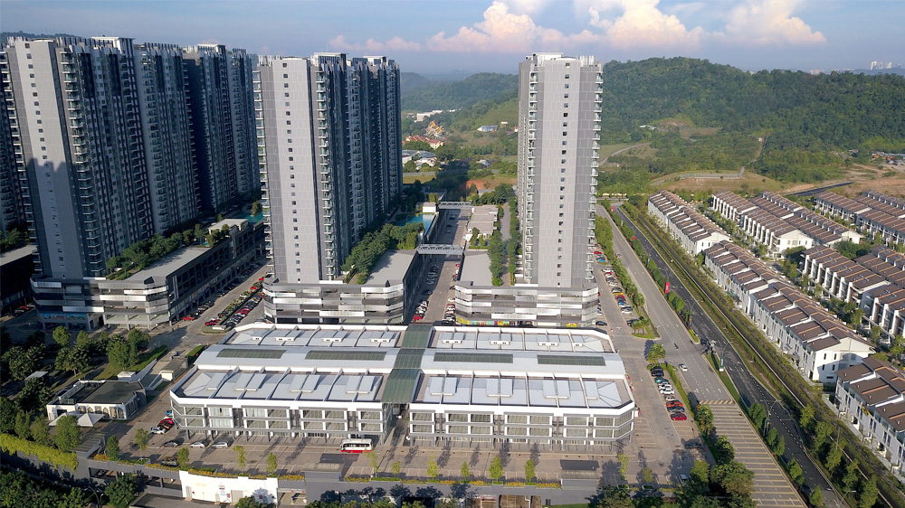 Project: Mixed Development, Sepang<br />Material: ColourMaxx Premiera<br />Application: Roofing