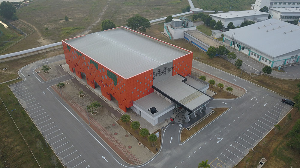 Project:Multi Purpose Hall, Pekan, Pahang <br />Material: ColourMaxx Premiera <br />Application: Roofing