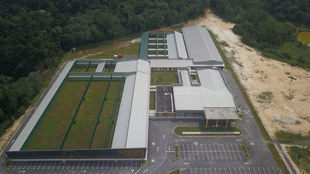 Project: Shooting Range, Ipoh Perak<br />Material: ColourMaxx Premiera<br />Application: Roofing