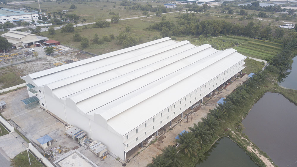 Project: Warehouse, Perak <br />Material: ColourMaxx Premiera <br />Application: Roofing