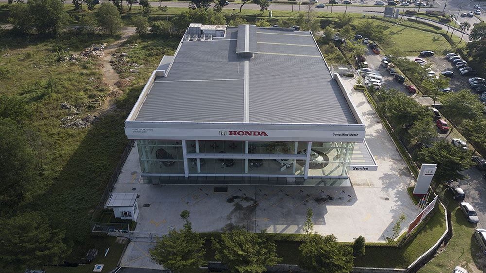 Project: Car Showroom, Pasir Gudang, Johor Bahru <br />Material: ColourMaxx Alpha Excel <br />Application: Roofing